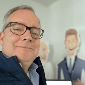 how2 Vorstand Sales & Marketing Marc Figur